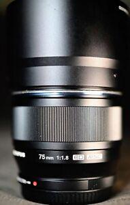 Olympus M.Zuiko 75mm f/1.8 AF ED Lens w/Hood! - Beautiful!