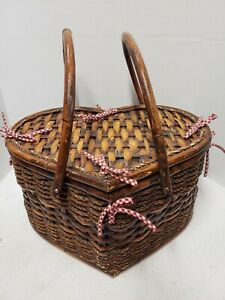 VINTAGE HEART SHAPED ROPE BAMBOO PICNIC BASKET 2 HANDLES RED CHECKED LINER