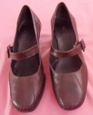 CLARKS K SHOES - Brown Mary Jane with Medium Heel - UK 7