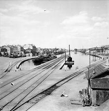 ROANNE c. 1960 -Le Port sur le Canal du Berry Péniches- Négatif 6 x 6 - N6 ARA47