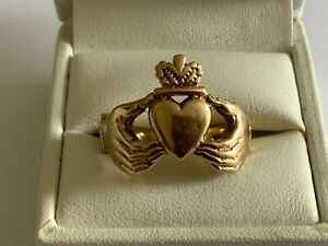 Vintage 9ct Gold Claddagh Signet Ring Large Size T+ Pinkie Gents Boys Heavy