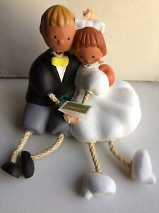 BRAND NEW BUBINOTS BY JULLAR, SITTING COUPLE IN TERRACOTTA, (CAKE TOPPER/GIFT).