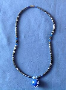 Beautiful Shiny Metallic  Bead Necklace 17 Inches Screw FastenerFAST AND FREE