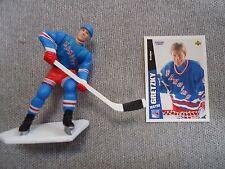 Wayne Gretzky 1997 Opened Starting Line Up Figure & Card
