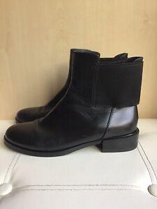 Clarks Narrative Black Leather Elastic Back Ankle Chelsea Pull On Boots UK 5.5 D