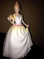 Royal Doulton Figurine Gift Of Love HN 3427 Excellent Condition nice detail.
