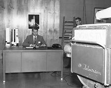 DR. WERNHER VON BRAUN PREPARES FOR TV PROGRAM FILMING - 8X10 NASA PHOTO (DA-418)