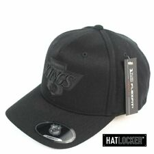 Mitchell & Ness - LA Kings Black On Black Crest 110 Curved Snapback