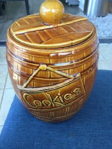 Vintage McCoy USA Barrel Cookie jar pottery 1950's great condition