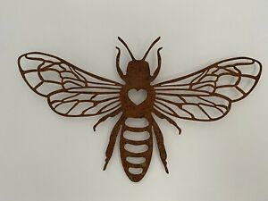 Rustic Metal Bee Wall Art - Garden Decoration Rusty Finish - Outdoor Indoor