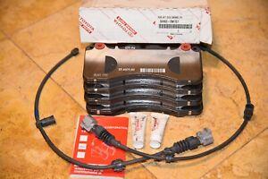 Lexus LS460 OEM Brake Pads Brembo 04465-0W151, 04465-0W150