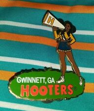 HOOTERS RESTAURANT SEXY BLACK HAIR CHEERLEADER GWINNETT GA COLLECTIBLE PIN RARE