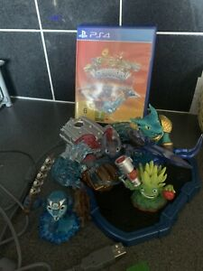 PS4 SKYLANDERS SUPERCHARGERS GAME WITH 4 FIGURES And PORTAL OF POWER