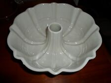 Longaberger Pottery Woven Tradition Ivory Fluted Bundt Pan Dish Bowl Usa