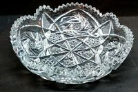 VINTAGE CLEAR PRESSED GLASS BOWL DISH SAW TOOTH SCALLOPED EDGE STARBURST PATTERN