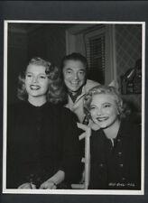 RITA HAYWORTH + DIRECTOR VINCENT SHERMAN CANDID - 1952 VINTAGE PHOTO BY LIPPMAN