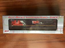 ATLAS  HO 1/87 DC CANADIAN NATIONAL DASH 8-40C 15TH AN ROAD #2115 # 10001227 F/S