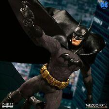 "Mezco Toyz DC Comics One:12 Batman Sovereign Knight 6"" Action Figure WC76960"
