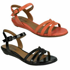 Clarks Standard Width (D) Sandals & Beach Shoes for Women