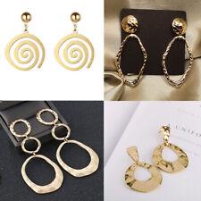 Damen goldfarbene stilvolle Ohringe aus goldfarbenem Metall