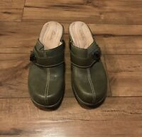 Clarks Artisan Womens Leather Mules Size 6 M Clogs Heels Green ~ EUC ~ *WOW*