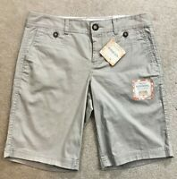 NEW DOCKERS Women's Khaki Beige/Tan Truly Slimming Bermuda Shorts Size 4 (30X10)