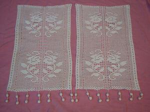 paire de  rideau ancien  fait main au crochet largueur 35 cm hauteur 64 cm