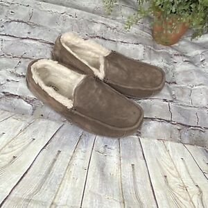 UGG Mens ascot sleepers sz 9 sheep skin lining Brown Moccasins Suede