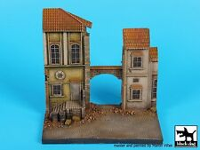 Black Dog 1/72 Street Section with Overpass Alley Entrance Diorama Base D72031