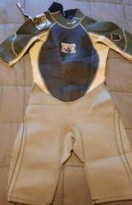 Body Glove Wet Suit Junior Size 10 Crush 2.1mm Shorty Black & Grey Neoprene