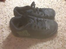 DC Shoes Black Sneakers in Youth Size 12 Ked