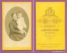 CDV GÄNSCH à METZ : MÈRE EN POSE AVEC SON ENFANT DANS LES BRAS, 1870 -K11