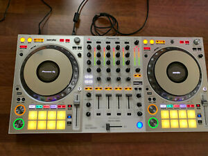 Pioneer DDJ-1000SRT Limited Edition White Controller for Serato DJ *Lightly Used