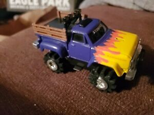 Stomper 4x4 Dodge Ram Wagon Schaper -not tested