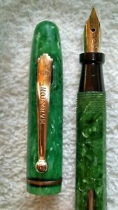 BEAUTIFUL EMERALD GREEN CELLULOID MARXTON ECLIPSE VINTAGE FOUNTAIN PEN M-F NIB