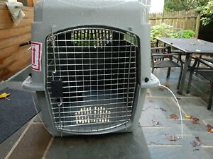 Petmate Sky Kennel Pet Carrier Cage Travel Dog Cats  28 Inch 20-30 lbs Animal