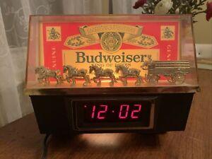 Vintage BUDWEISER Clydesdales Digital Clock Light Bud Beer Bar Sign Works