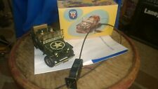 VINTAGE ARNOLD WWII JEEP 2500 CABLE DRIVEN TIN TOY IN BOX   WORKS GREAT