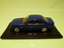 UNIVERSAL HOBBIES BMW M5 E34 - METALLIC BLUE 1:43 RARE - GOOD CONDITION ON STAND