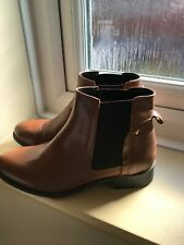 NEW LOOK Tan Leather Flat Chelsea Boots - Size 7 - Brand New - rrp £35.99