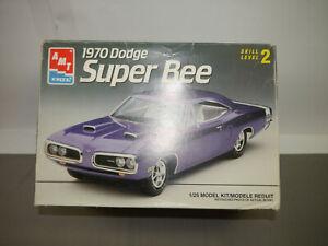 AMT 1970 Dodge Super Bee 6117 Plastic Model Construction Set 1:25 (F4)