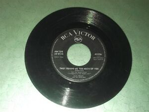Elvis Presley 45 giri They remind me too much of you - One broken heart for sale