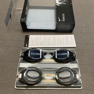 Nike Sport Swimming Goggles 2 Pack Unisex Nike Chrome/Proto Nike Smoke/Clear