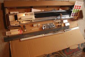 KNITMASTER/SILVER REED CHUNKY KNITTING MACHINE MODEL120+INSTRUCTIONS-HARDLY USED