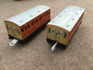 Trackmaster Thomas and Friends Train Track Tomy - Annie and Clarabel Carriages