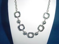 shiny s.steel necklace with square links and balls for ladies 1496