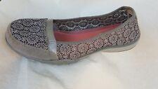 Sketchers Women's Relaxed Fit Memory Foam Breath Easy Gray Flat shoe size 7