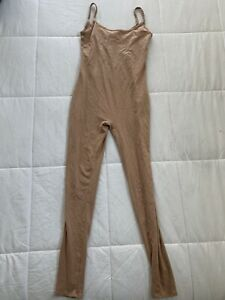 Womens Forever 21   Sleeveless nude color bodysuit Size Medium