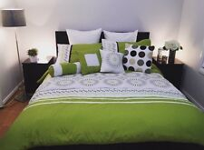 Luxurious 7pcs Queen Embroided Comforter Set Bright Green Burg Whit