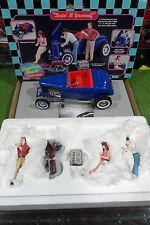 DIORAMA FORD Roadster 1932 + 3 FIGURAS+MOTOR + CAJA HERRAMIENTAS 1/18 ERTL 7912